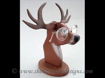 Deer Glasses Stand Woodworking Plans