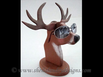 Scroll Saw Deer Eyeglass Holder